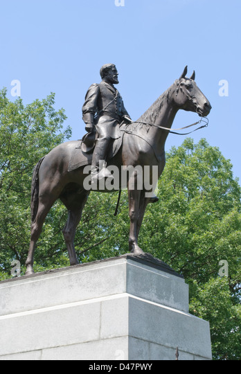 Robert E Lee and his horse Traveller atop the Virginia Monument at Gettysburg battlefield of the American Civil - Stock Image