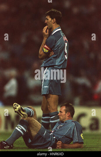 ADAMS & SHEARER IN TENSE MOOD DURING PENALTY SHOOT OUT 09 July 1996 - Stock Image