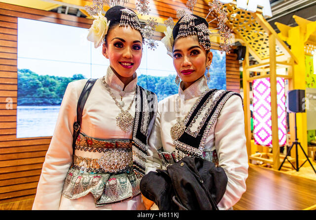 Women in Traditional Clothes Panama The World Travel Market London UK - Stock-Bilder