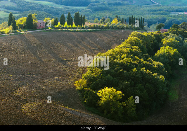 Plowed fields in the picturesque landscape of Italy. Tuscany landscape. - Stock-Bilder