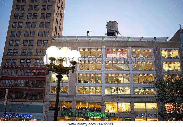 Dsw Shoe Store In Manhattan