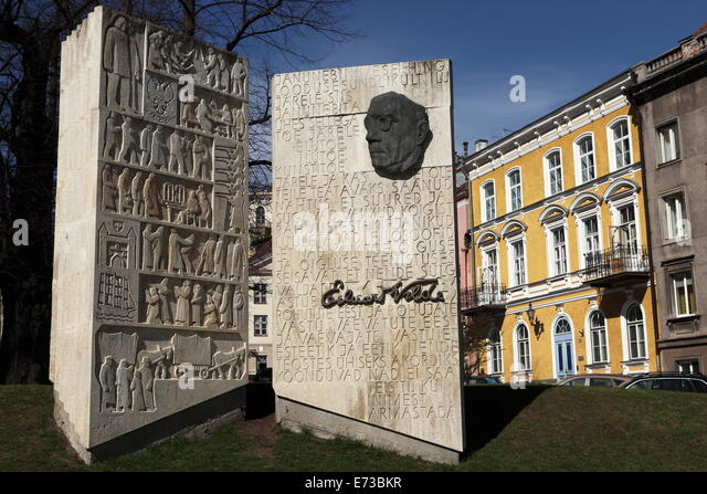 Monument to the Estonian author Eduard Vilde, in Tallinn, Estonia, Europe - Stock Image