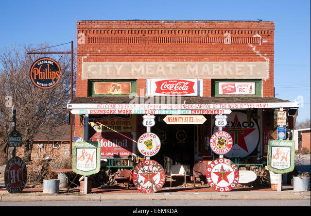 Old Route 66 general store in Erick Oklahoma - Stock Image