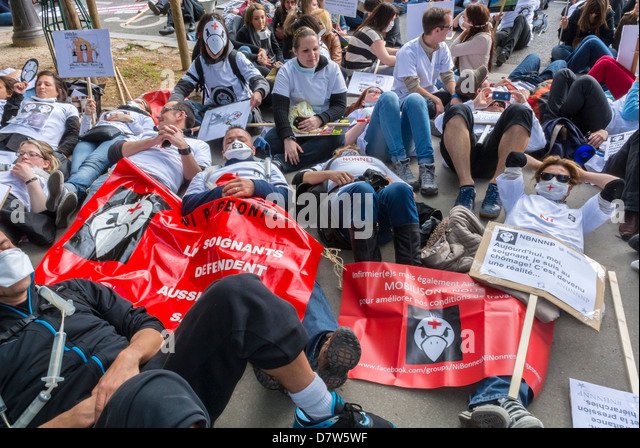 Paris, France, Nurses Demonstration, Collective Outside 'Hotel Dieu', Public Hospital  For Support of Government - Stock Image