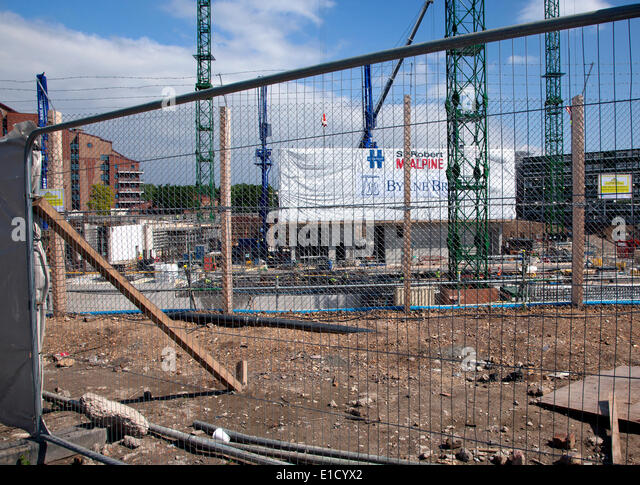 Construction of the new U.S. Embassy for London is proceeding at the site in Nine Elms, South London. The foundations - Stock Image