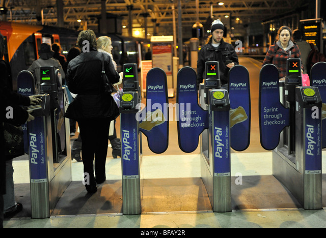 Uk train ticket machine stock photos uk train ticket - Stansted express ticket office liverpool street ...
