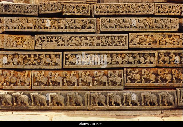 BPM 64972 : Mahabharata episode ; Halebid Halebidu ; Karnataka ; India - Stock Image