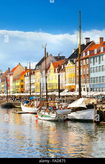 The boat in Nyhavn Canal, Copenhagen, Denmark - Stock-Bilder