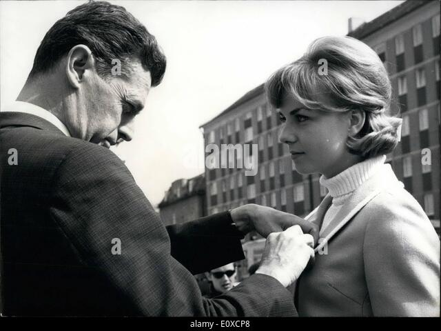 Apr. 04, 1966 - Easter-March against Nuclear Weapons: The inhabitants of Munich could listen to ''A stupid - Stock Image