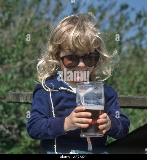 the issue of underage drinking in the united kingdom For example, the drinking age in the united states is usually 21, and younger people are sometimes called minors in the context of alcohol law, even if they are at least 18 [1] [2] the term.