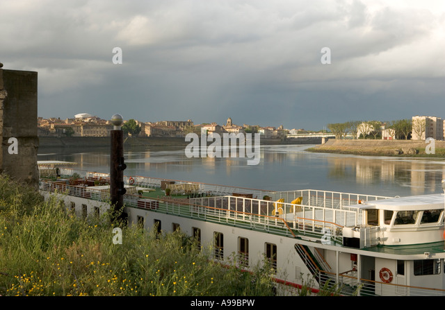 old town rhone river arles stock photos old town rhone river arles stock images alamy. Black Bedroom Furniture Sets. Home Design Ideas