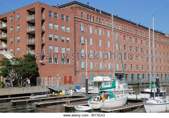 Maryland Baltimore Fells Point Patapsco River port waterfront building condo conversion residential real estate - Stock Image