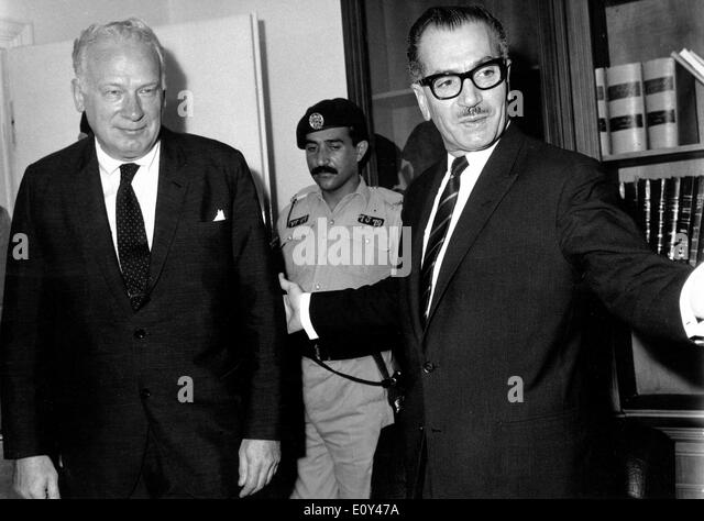 Jul 17, 1968; London, UK; Mr. GEORGE BALL with the Minister of Foreign Affairs in the Ministry of Foreign Affairs - Stock Image