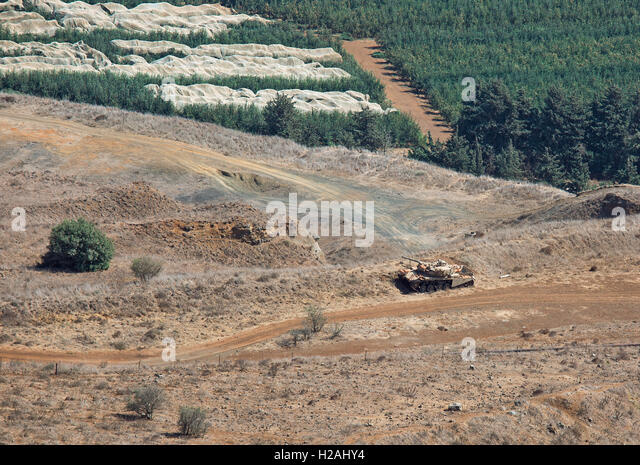 tank on the Syrian-Israeli border view from Mount Bental - Stock Image