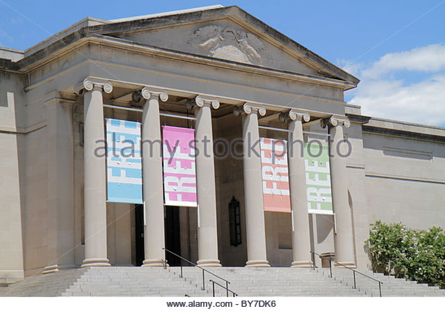 Maryland Baltimore Wyman Park Baltimore Museum of Art Neoclassical architecture banner free admission entrance steps - Stock Image