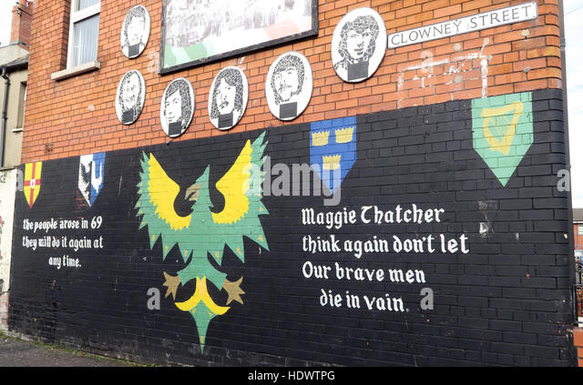 Belfast Falls Rd Republican Mural- Clowney Street Maggie Thatcher think again,our brave men die in vain - Stock Image