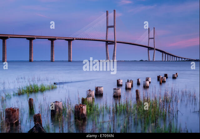 The Sidney Lanier Bridge spanning the Brunswick River in Brunswick, Georgia. - Stock Image