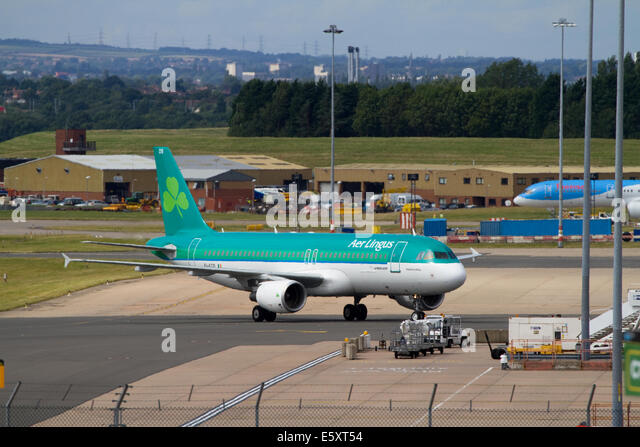 Airliner taxiing. Birmingham Airport - Stock Image