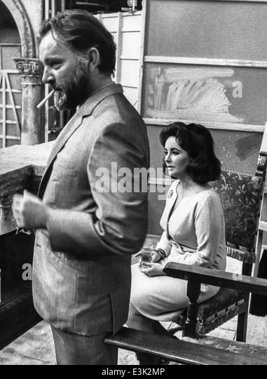 elizabeth taylor and richard burton,1966 - Stock-Bilder