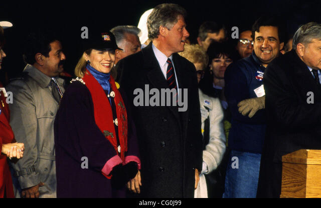 bill clintons campaign in his 1992 democratic presidential nomination Hillary clinton accepts the democratic party's nomination for president  the clintons celebrate bill's  during the 1992 presidential campaign,.