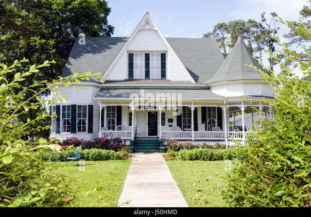 Monroeville Alabama Pineville Road historic homes Stallworth home Queen Anne columns wraparound porch turret gabled - Stock Image
