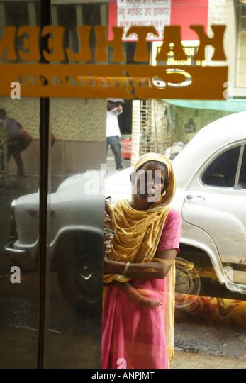 Child Beggar Stock Photos & Child Beggar Stock Images - Alamy