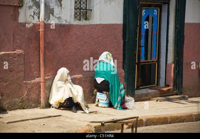 Two women, Kasbah, Algiers, Algeria, North Africa - Stock Image
