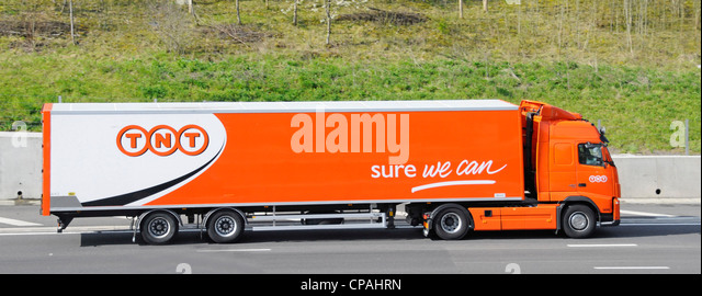 TNT parcel delivery lorry and trailer - Stock Image