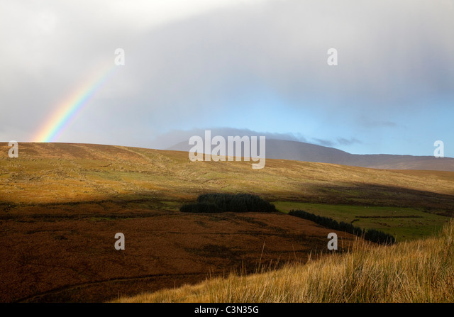 Rainbow over Sawel Mountain, Sperrin Mountains, County Tyrone, Northern Ireland. - Stock-Bilder