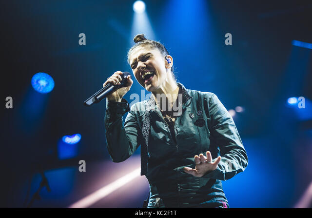 Torino, Italy. 01st Oct, 2017. The Italian singer/song-writer Elisa performing live on stage at the Officine Grandi - Stock Image
