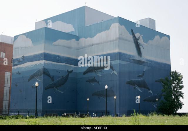 Cleveland Ohio Public Power Generating Station whale mural - Stock Image