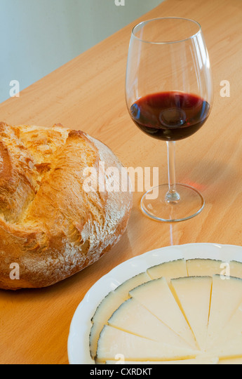 how to serve manchego cheese