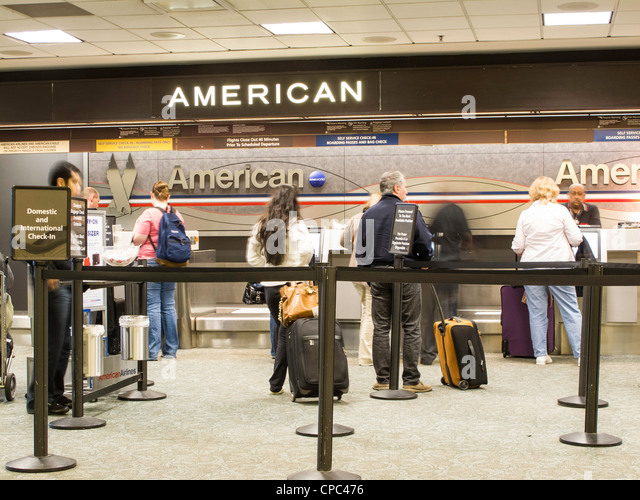 Gulf Airlines Stock Photos & Gulf Airlines Stock Images ... American Airlines Check In