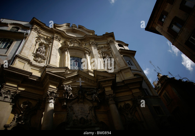 The main entrance of St. Mary Magdelene church in Rome, March 8, 2008. Photo/Chico Sanchez - Stock Image
