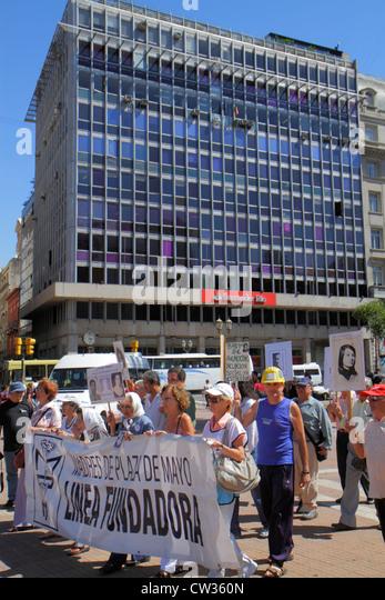 Argentina Buenos Aires Plaza de Mayo landmark historic main square political hub Madres de Plaza de Mayo mothers - Stock Image