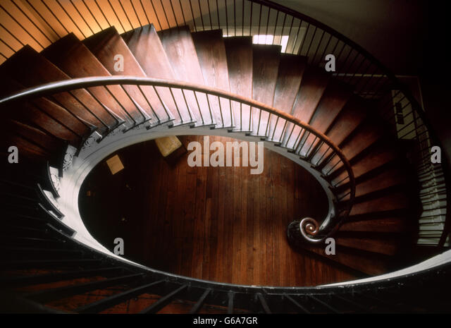 1800s ELLIPTICAL SPIRAL STAIRCASE FROM ABOVE NATHANIEL RUSSELL HOUSE CIRCA 1809 CHARLESTON SOUTH CAROLINA USA - Stock-Bilder