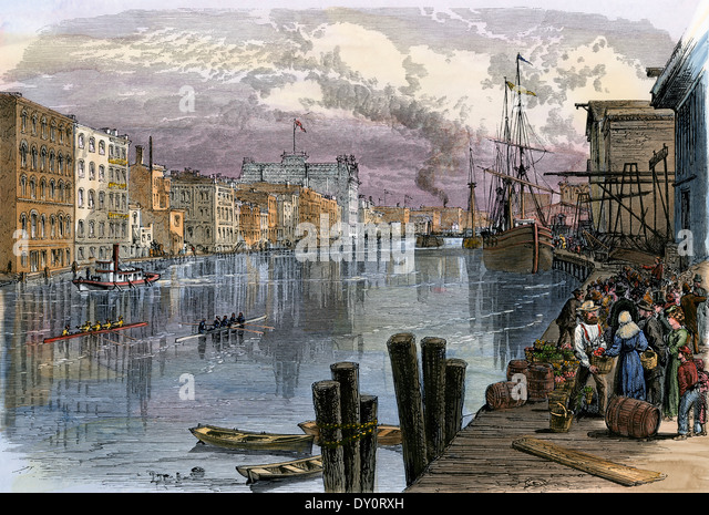 Busy Milwaukee River waterfront, 1870s. - Stock Image
