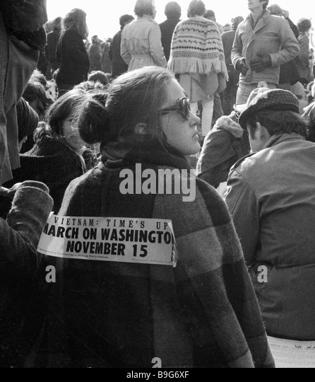 Words on the back of a participant in an anti Vietnam War rally Vietnam Time Is Up March on Washington November - Stock-Bilder
