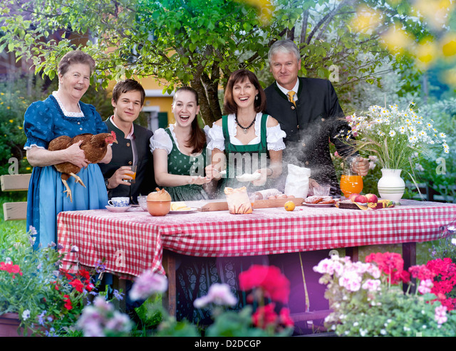 Family in traditional Bavarian clothes - Stock-Bilder