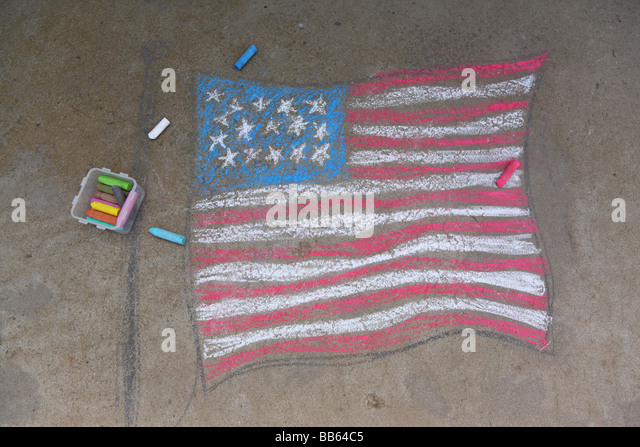 American flag drawn in sidewalk chalk - Stock-Bilder