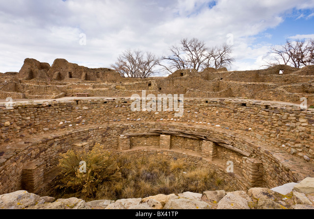 Native American Ceremonial Kiva at the Ancestral Puebloan site of Aztec Ruins National Monument in New Mexico, USA. - Stock Image
