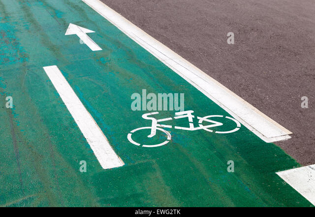 Bicycle road sign on bicycle lane - Stock-Bilder