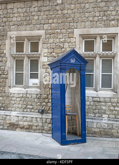 HONOURABLE ARTILLERY COMPANY, LONDON:  Sentry Guard Box at Armoury Hose, the HQ of the Honourable Artillery Company - Stock Image