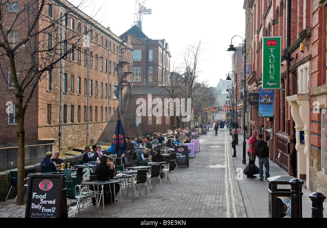 Pubs, Bars and Clubs along Canal Street in the Gay Village on a Friday evening, City Centre, Manchester, England - Stock-Bilder