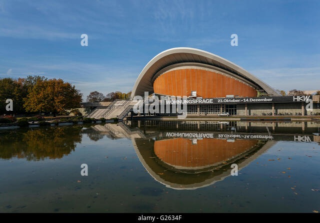 Haus der Kulturen der Welt, House of the World's Cultures, Großer Tiergarten, architect Hugh Stubbins, - Stock-Bilder