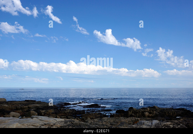 Sea Point beach near Cape Town with view of the Atlantic ocean. - Stock Image