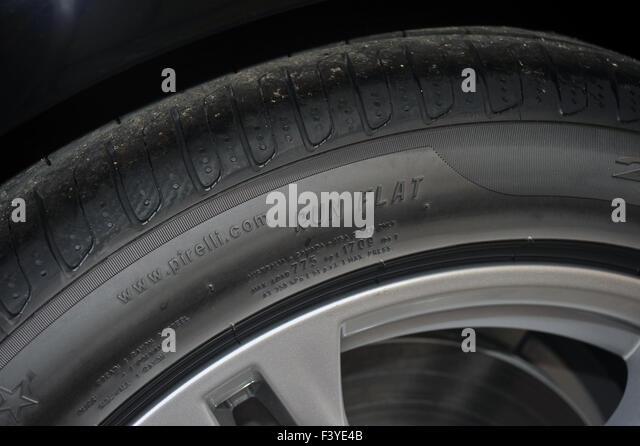 Alloy Wheels Stock Photos Amp Alloy Wheels Stock Images Alamy