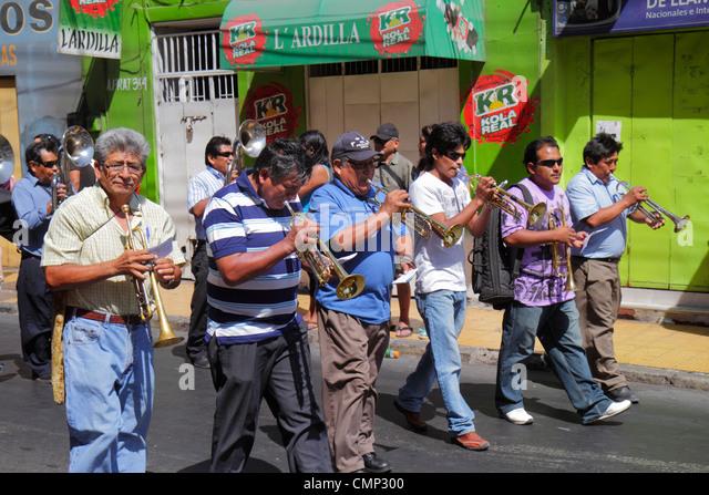 Chile Arica Avenida Arturo Prat 'Carnaval Andino' Andean Carnival parade rehearsal indigenous Aymara heritage - Stock Image