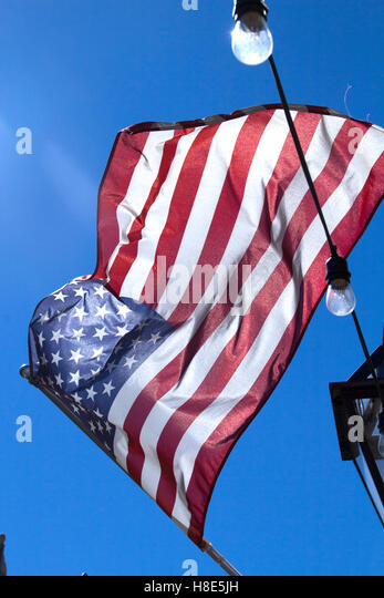 http://n7.alamy.com/zooms/8a0d6f808ec5456e97c2cb45e7ec5cf6/waving-american-flag-with-vintage-feeling-h8e5jh.jpg Vintage