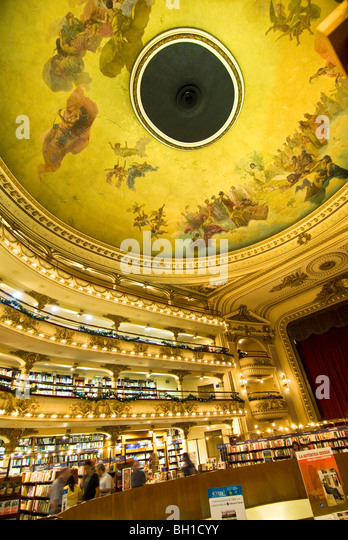 Mural luxury place stock photos mural luxury place stock for El mural pelicula argentina